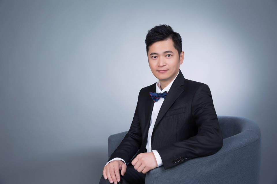 Hong Kong Estate Agent: CJ Leung (地產代理人)